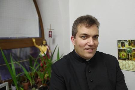 """""""Коли я закриваюсь на Божу благодать, я закриваюсь на подих Бога"""", - отець Олександр Халаїм"""