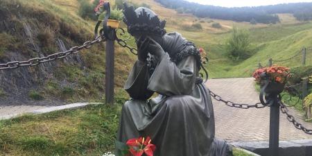 """""""Сім страждань Богородиці або чому плаче Марія"""", - коментар Євангелія дня"""