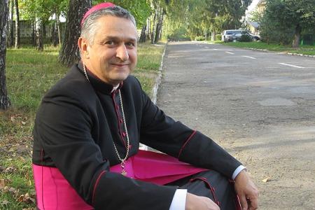 """Єпископ Леон Малий: """"Ми повинні допомогти молоді знайти себе"""""""