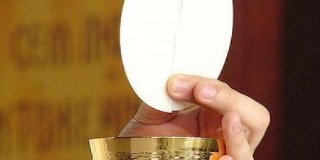 """""""Жодне таїнство не єднає нас так з Ісусом Христом, як таїнство Євхаристії!"""" - отець Сворад Дуда"""