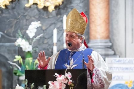 """Архієпископ Петро МАЛЬЧУК: """"Саме через Діву Марію спасіння прийшло з Неба """""""