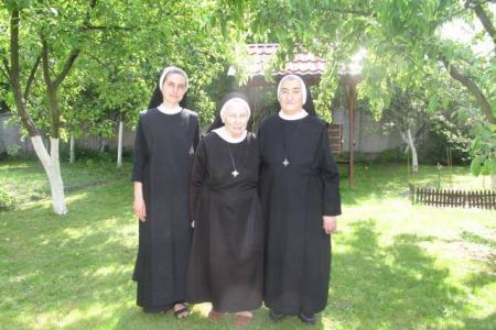 Матері довідувалися, що їх син священик тоді, коли приходили на Службу Божу і бачили його в ризах
