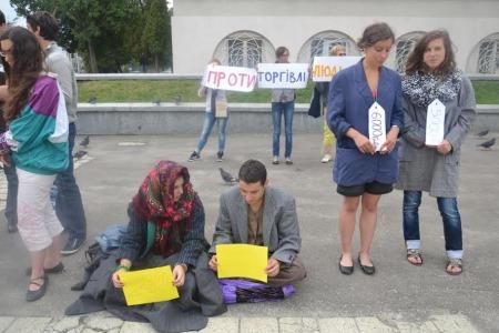 Карітас України надає допомогу постраждалим від торгівлі людьми