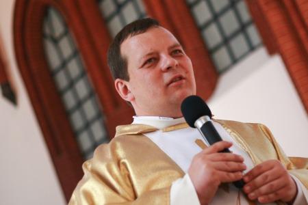 """Отець Кшиштоф Бузіковський ОМІ: """"Людині властива помилка - втікають від хреста, а бігають за щастям..."""""""
